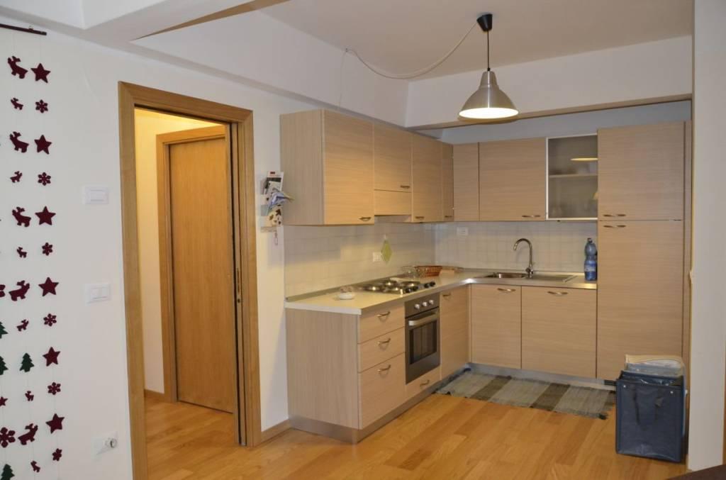 Appartamento arredato in vendita Rif. 9116764