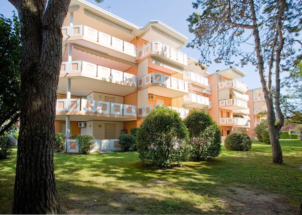 Appartamento in buone condizioni arredato in affitto Rif. 9116780