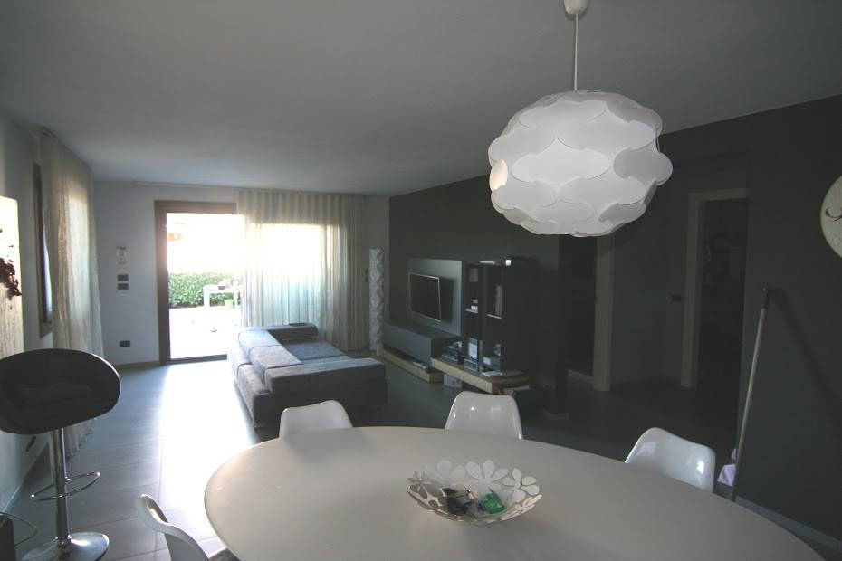 Casa Indipendente in ottime condizioni arredato in vendita Rif. 9116856