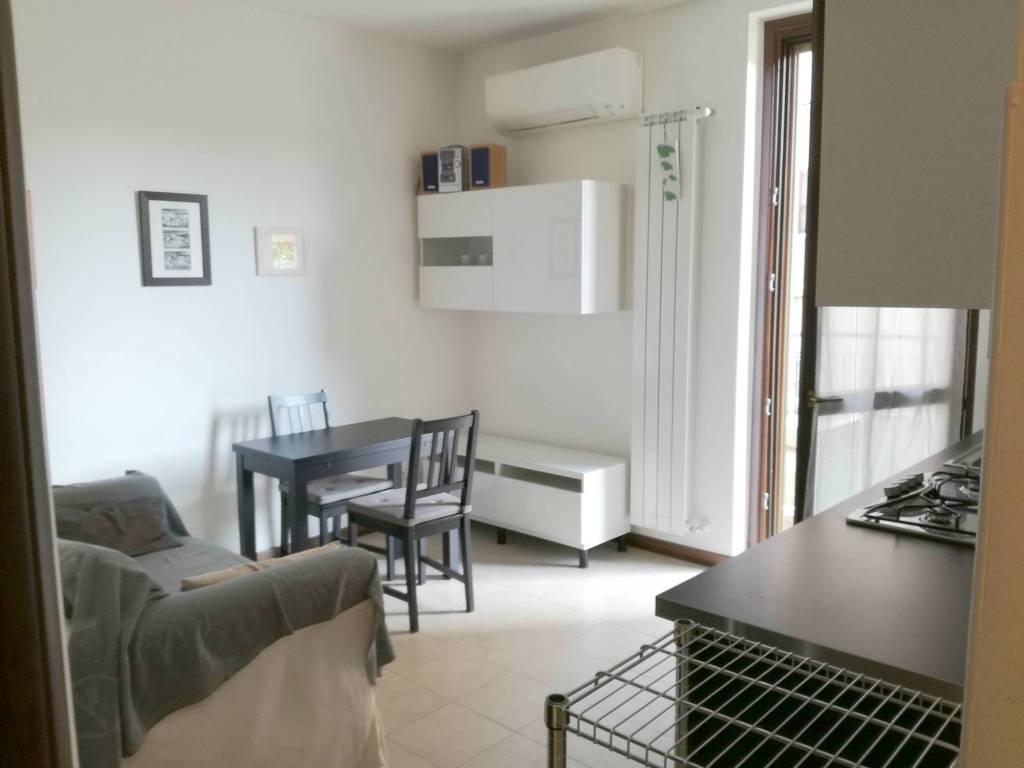 Appartamento in ottime condizioni arredato in vendita Rif. 9122403