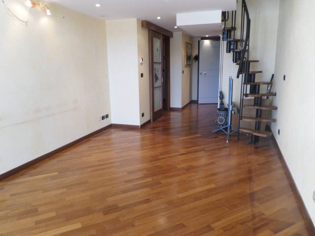 Appartamento in ottime condizioni in vendita Rif. 8574540