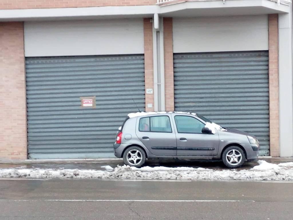 VENDESI 2 Negozi nel centro di Solignano Rif. 9123968