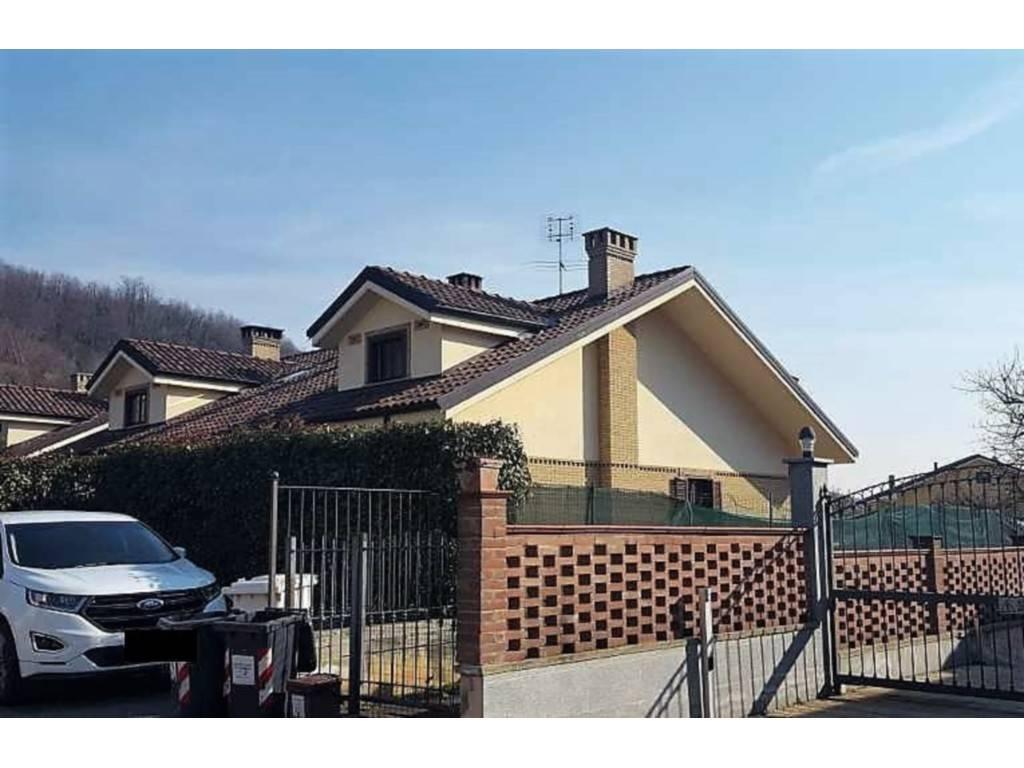 Villa in Vendita a Trana