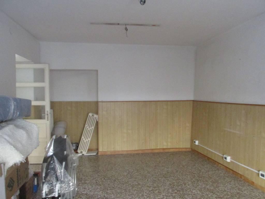 Appartamento da ristrutturare in vendita Rif. 5708093
