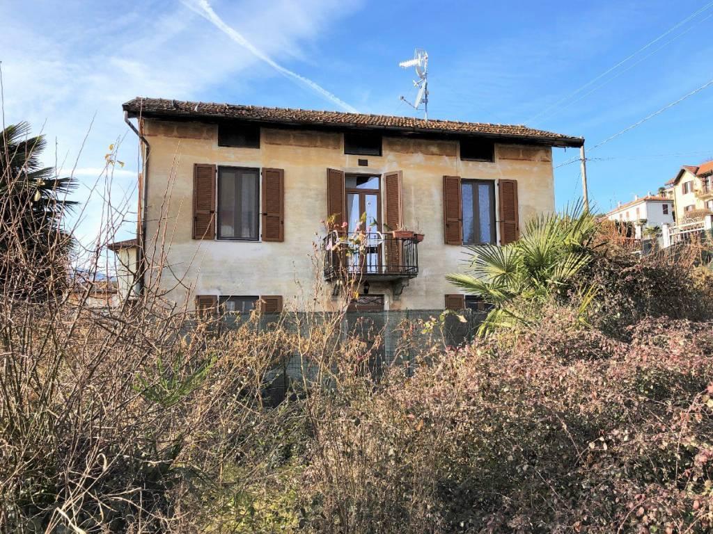 Casa Indipendente in buone condizioni in vendita Rif. 9122438