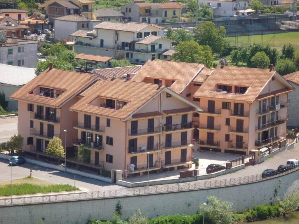 Appartamento in ottime condizioni in vendita Rif. 9123041