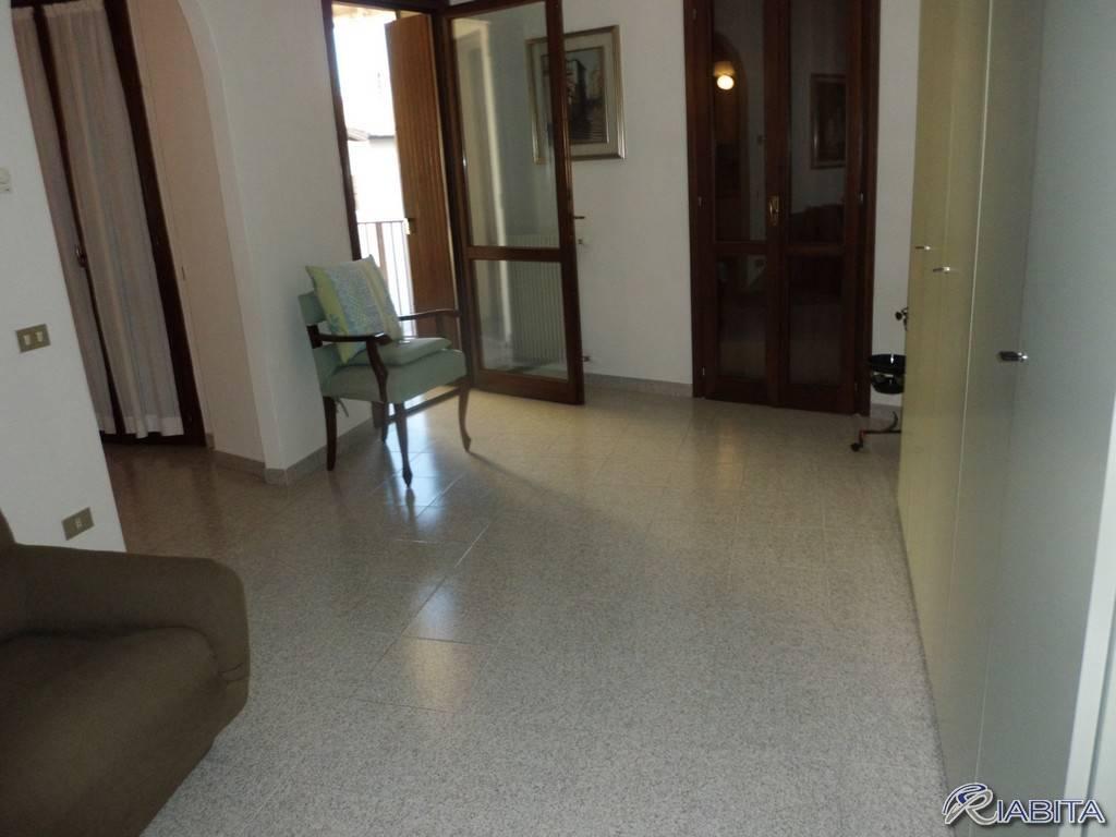 Appartamento in Affitto a Gossolengo Centro: 2 locali, 65 mq