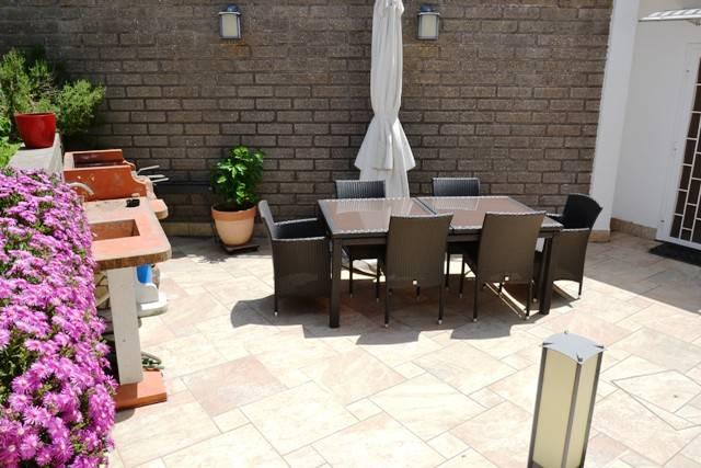 Appartamento in ottime condizioni in vendita Rif. 9126139