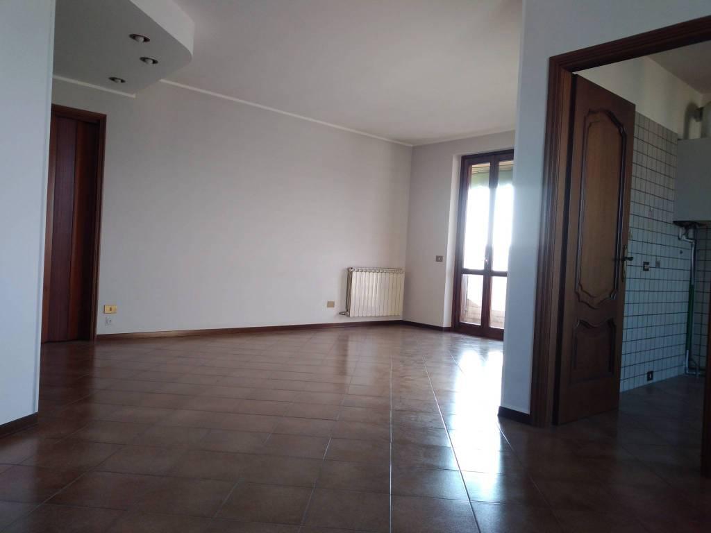 Appartamento in affitto a Casteggio, 2 locali, prezzo € 350 | CambioCasa.it