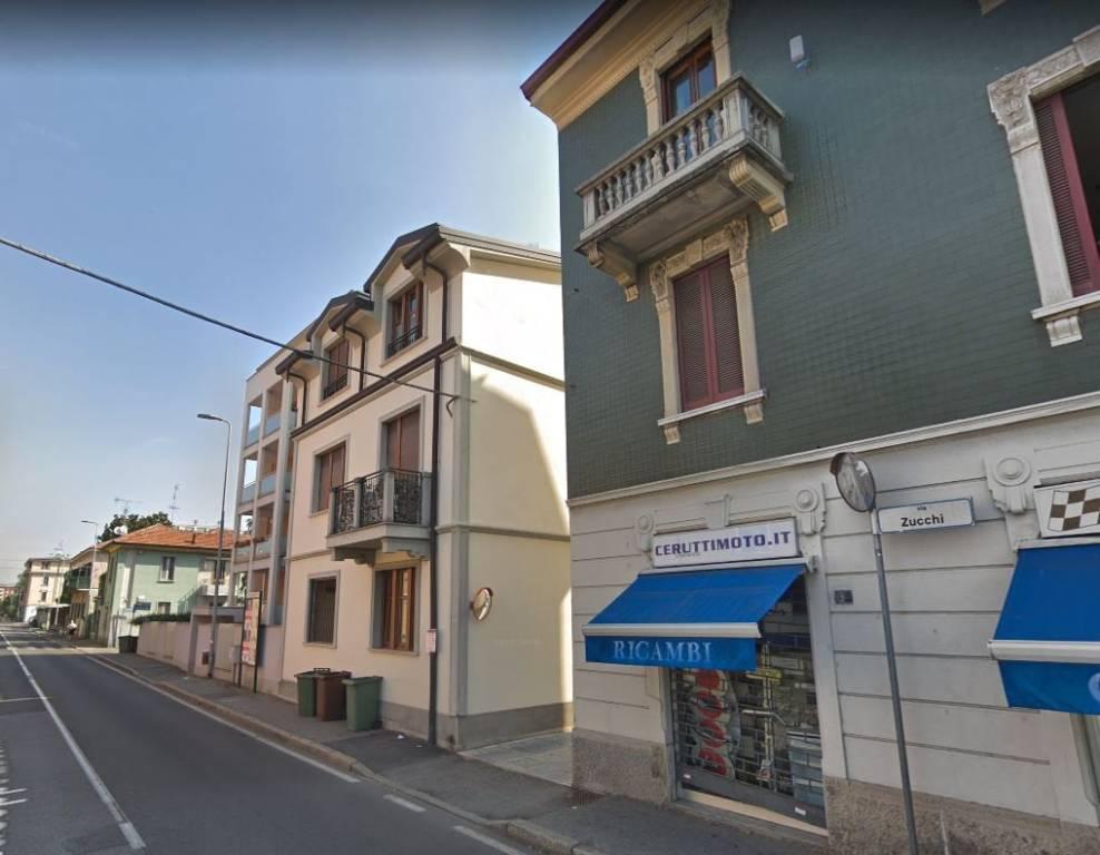 Appartamento in buone condizioni in vendita Rif. 9255333