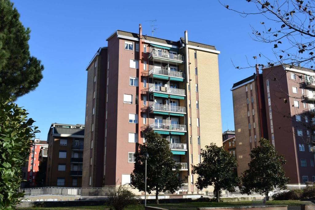 Appartamento in buone condizioni in vendita Rif. 8888057