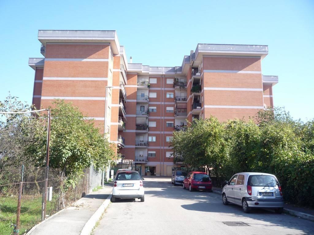 Appartamento in ottime condizioni arredato in vendita Rif. 9123042