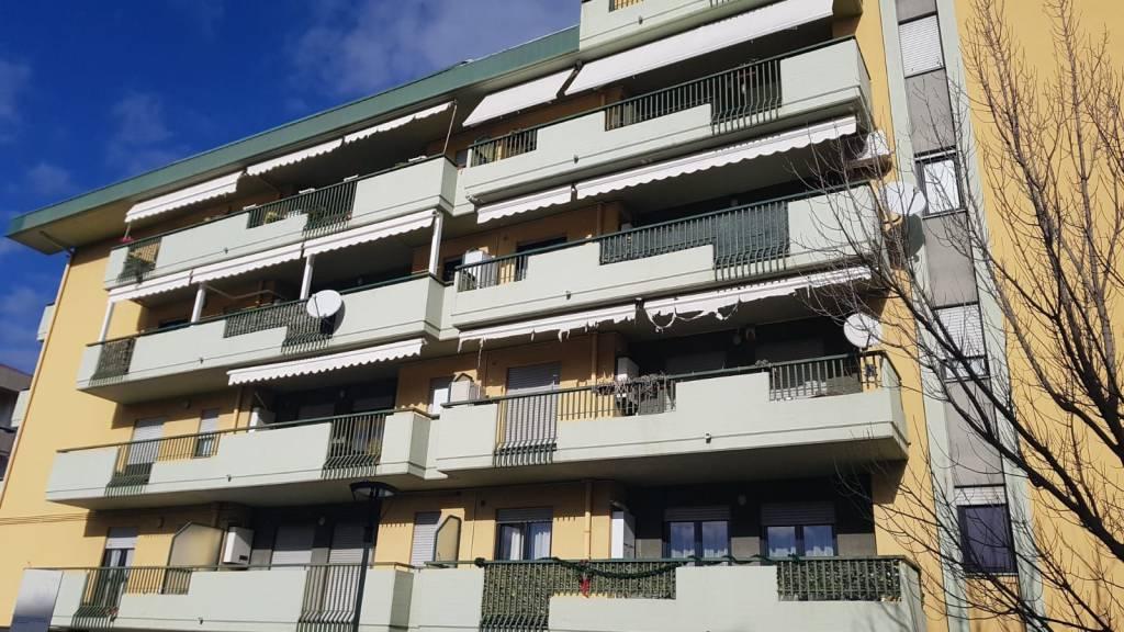 Appartamento in ottime condizioni in vendita Rif. 9122669