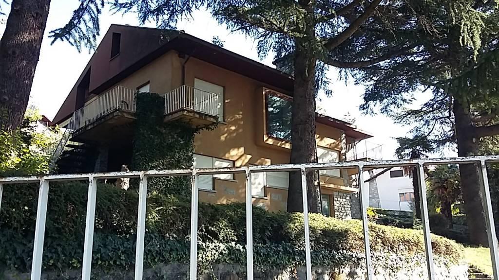 Villa in vendita a Almese, 7 locali, prezzo € 360.000 | CambioCasa.it