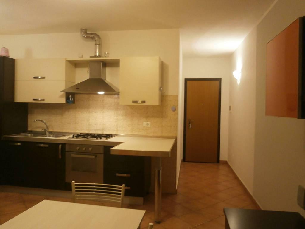 Appartamento in ottime condizioni arredato in affitto Rif. 9122376
