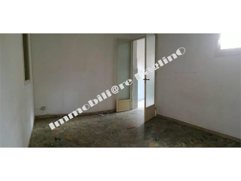 Appartamento in buone condizioni in vendita Rif. 9123457