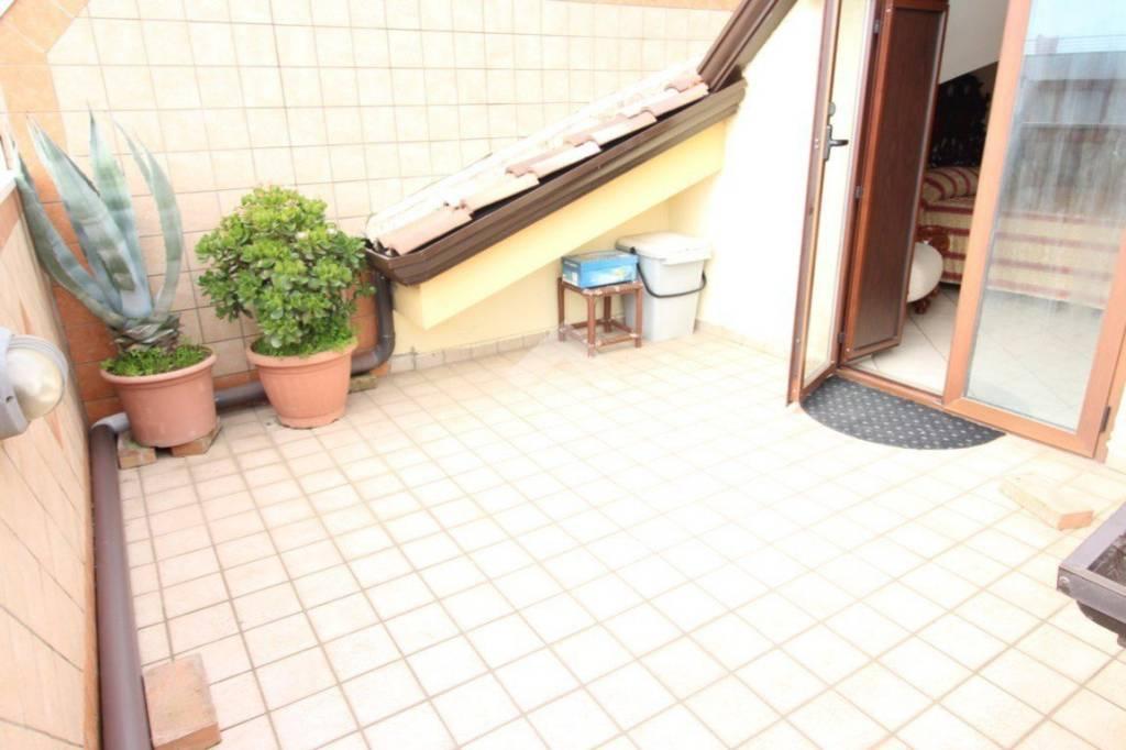 Appartamento in ottime condizioni in vendita Rif. 9140854