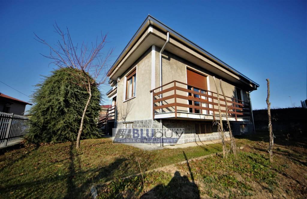 Villa in vendita a Beregazzo con Figliaro, 5 locali, prezzo € 270.000   PortaleAgenzieImmobiliari.it