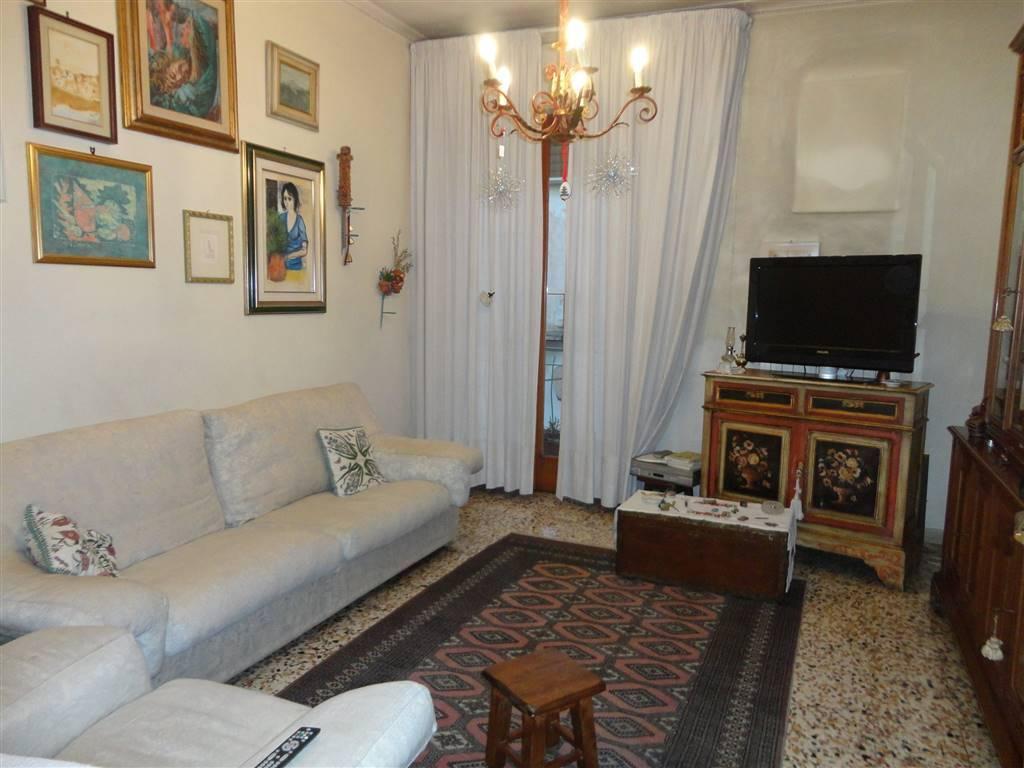 Appartamento in buone condizioni in vendita Rif. 9148742