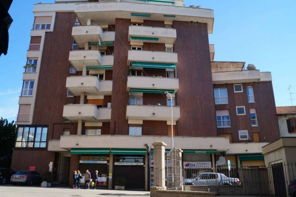 Appartamento in affitto a Sesto Calende, 2 locali, prezzo € 395 | CambioCasa.it