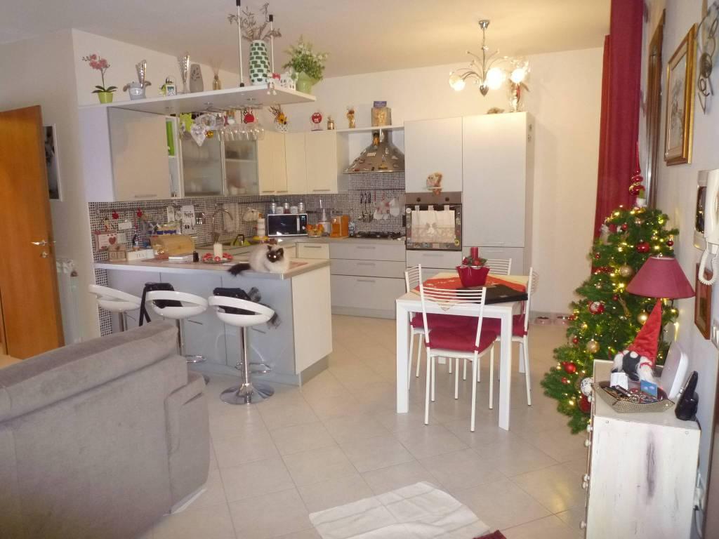 Appartamento in ottime condizioni in vendita Rif. 9147996