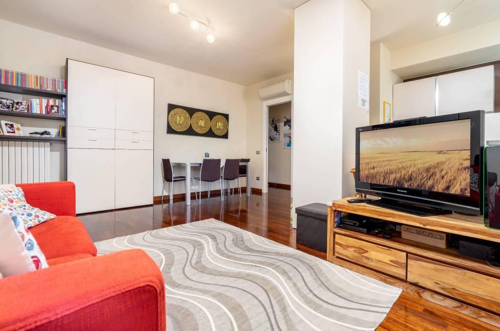 Appartamento in ottime condizioni in vendita Rif. 9136064
