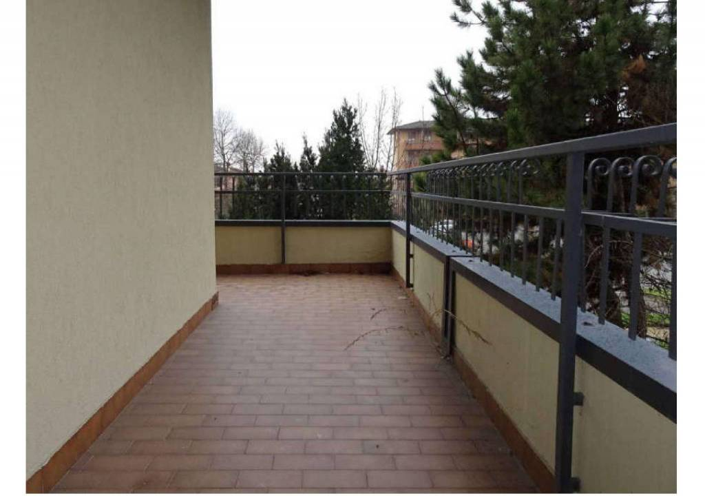 Appartamento in buone condizioni in vendita Rif. 9136215