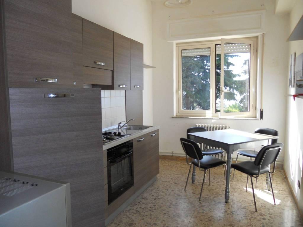 Appartamento arredato in Viale Affaccio
