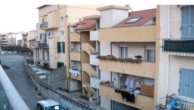 Appartamento in buone condizioni in vendita Rif. 9157685