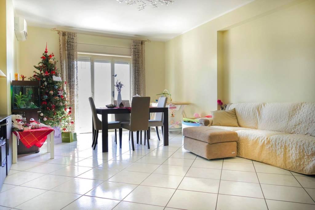 Appartamento in Vendita a Mascalucia Centro: 4 locali, 90 mq