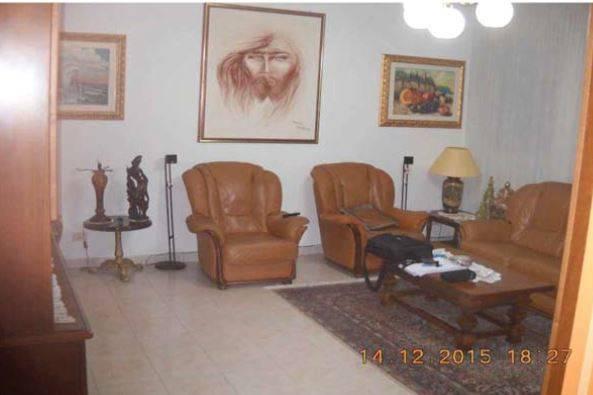 Appartamento in buone condizioni in vendita Rif. 9157667