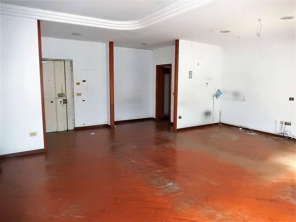 Appartamento in vendita a Afragola, 5 locali, prezzo € 195.000 | CambioCasa.it