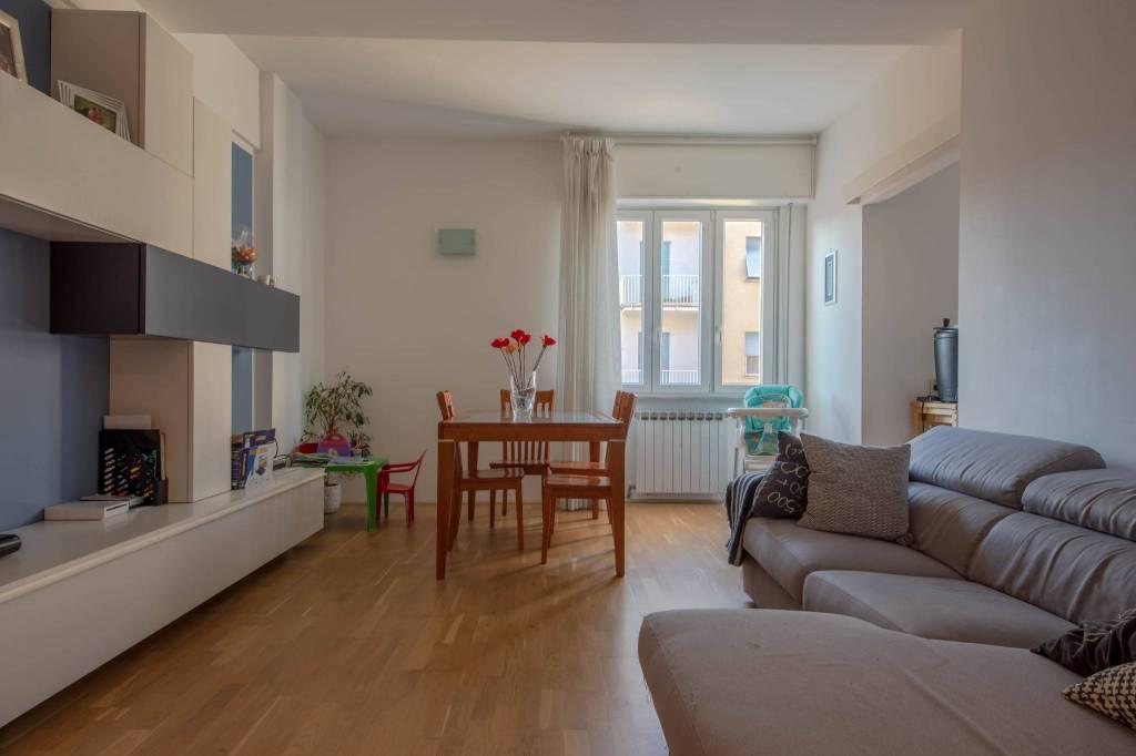 Appartamento in ottime condizioni in vendita Rif. 9135857