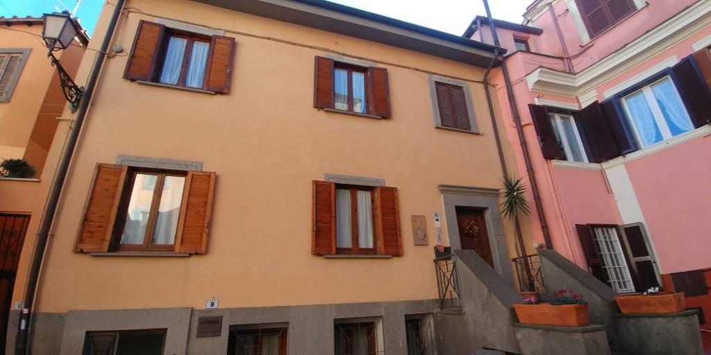 Appartamento in buone condizioni parzialmente arredato in affitto Rif. 9138580