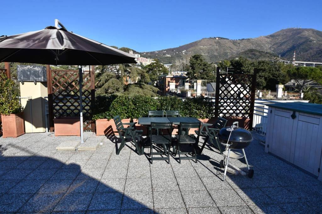 Foto 1 di Appartamento viale Ammiraglio Giorgio des Geneys 20, Genova (zona Quarto)