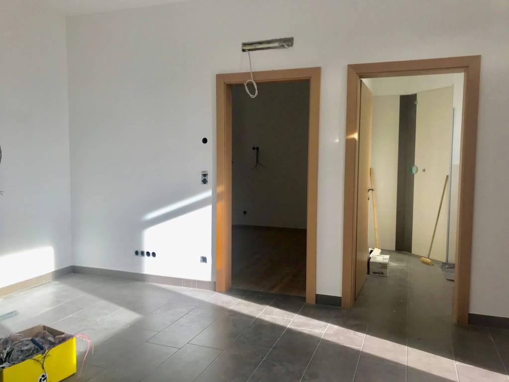 Appartamento in ottime condizioni parzialmente arredato in vendita Rif. 9164539