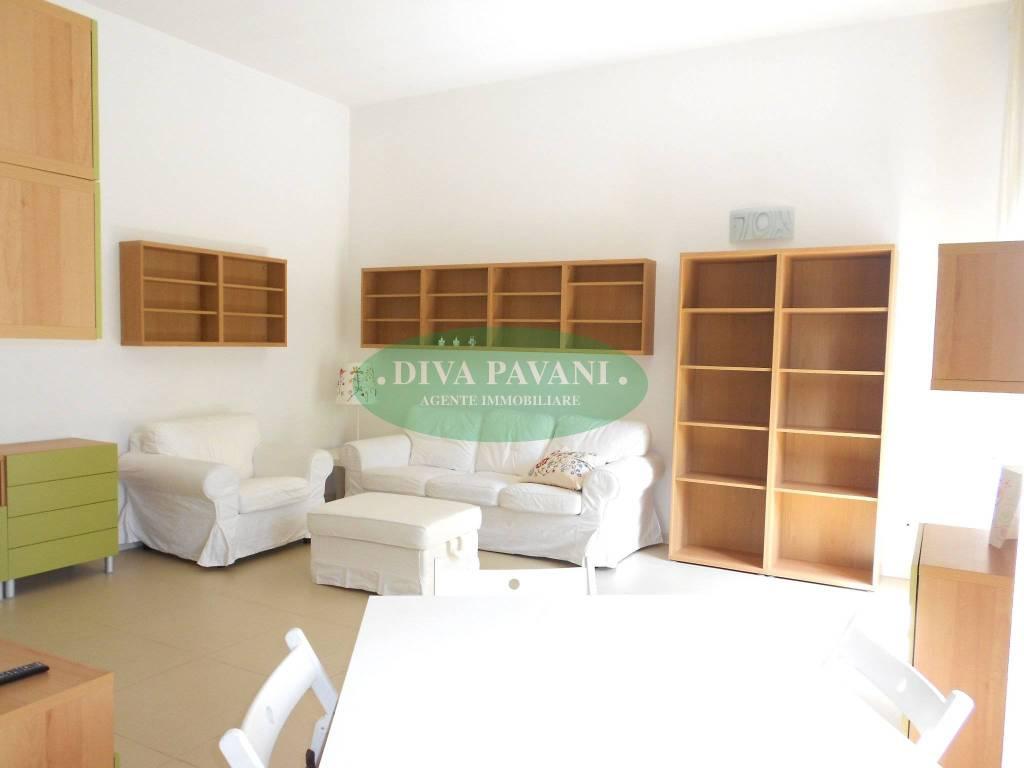 Appartamento in ottime condizioni arredato in affitto Rif. 9146179