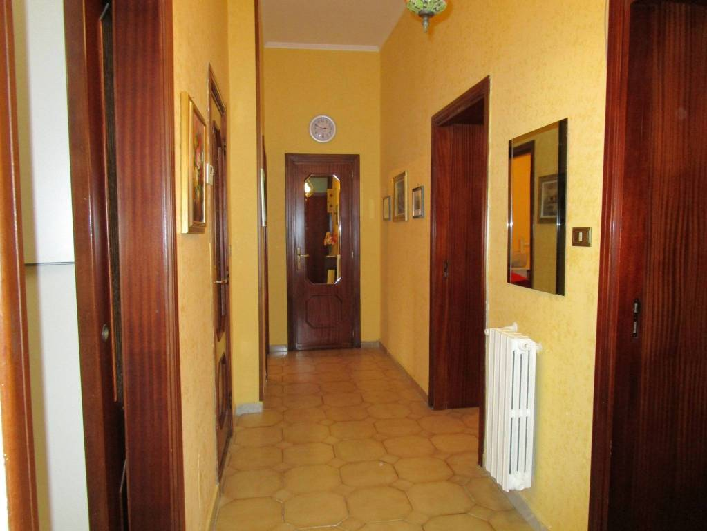 Appartamento arredato con utenze attive