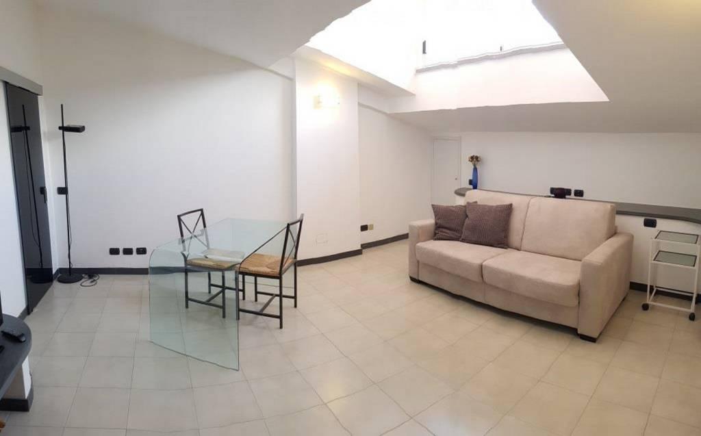 Appartamento in ottime condizioni parzialmente arredato in vendita Rif. 9140519