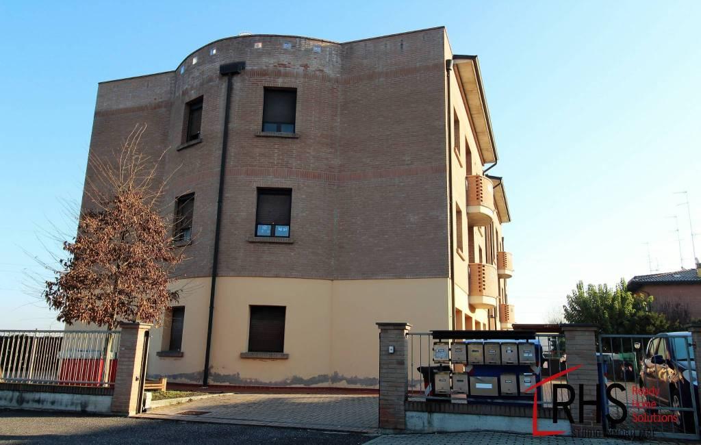 Appartamento in ottime condizioni in vendita Rif. 9163402