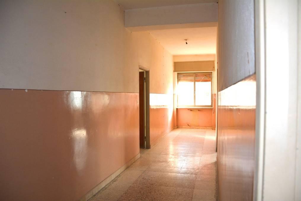 Appartamento da ristrutturare in vendita Rif. 9143798