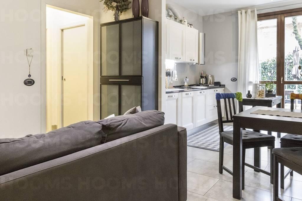 Appartamento in buone condizioni parzialmente arredato in vendita Rif. 9128191