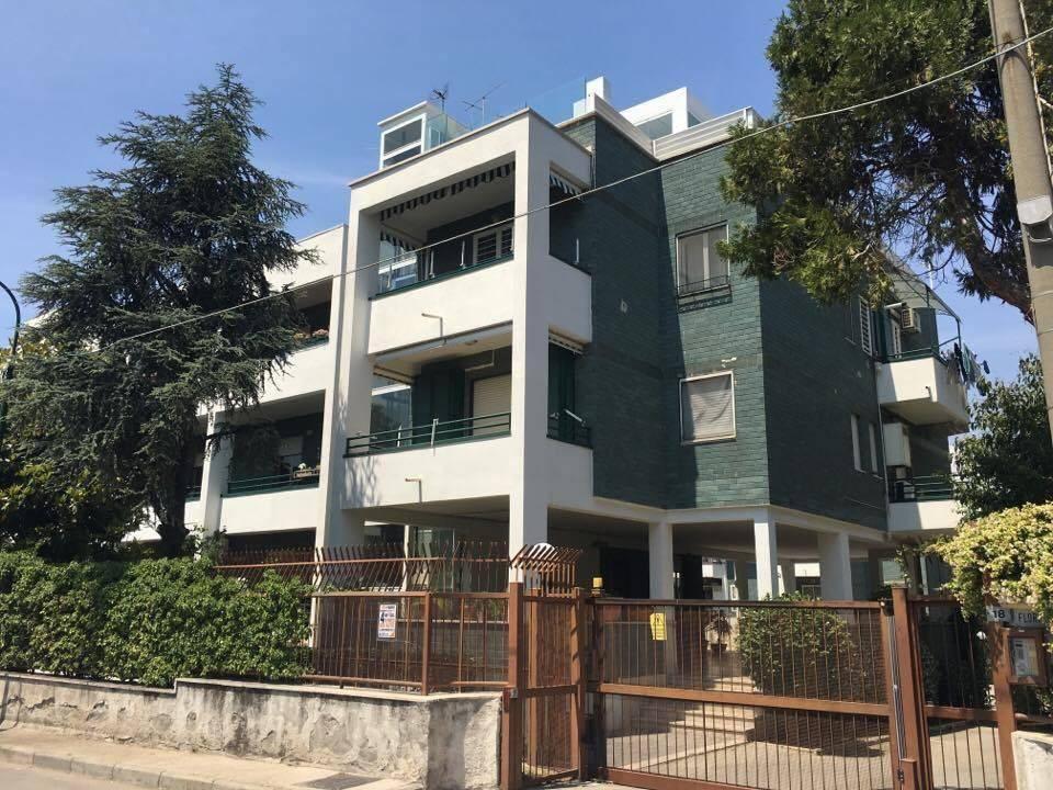 Appartamento in parco, Via Rubinacci
