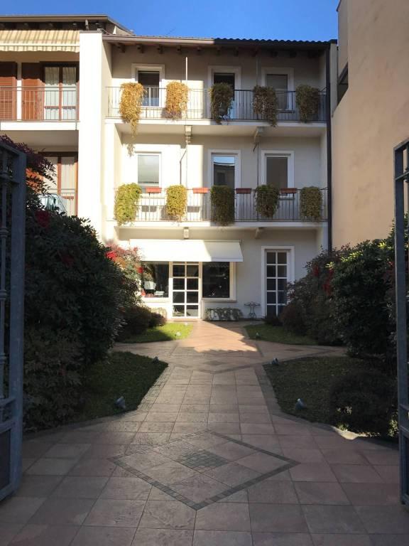 Galliate, zona viali, locale commerciale Rif. 9135995