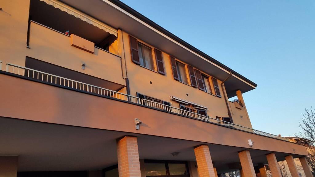Appartamento in ottime condizioni arredato in affitto Rif. 9135871