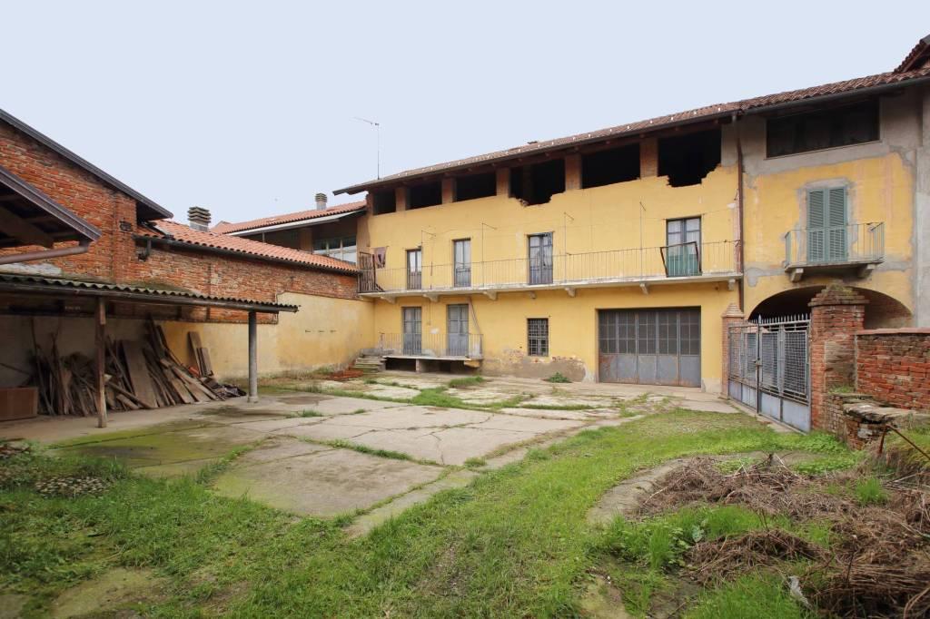Foto 1 di Rustico / Casale via Cesare Battisti, Montanaro