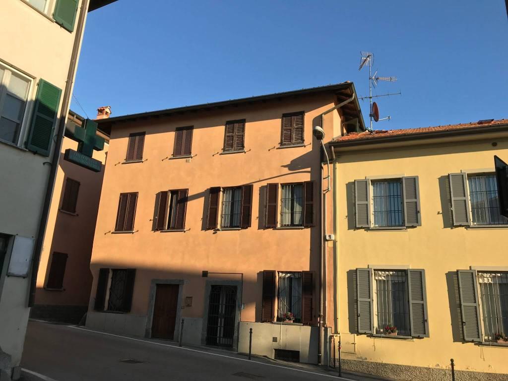 Appartamento da ristrutturare in vendita Rif. 9138799
