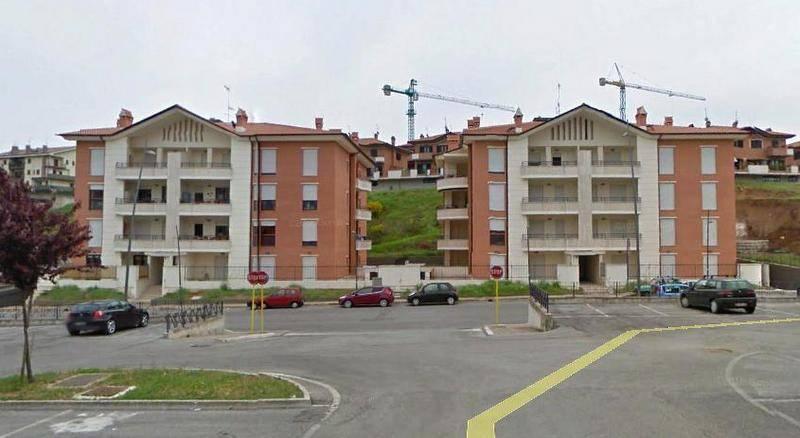 Appartamento in ottime condizioni in affitto Rif. 9149813