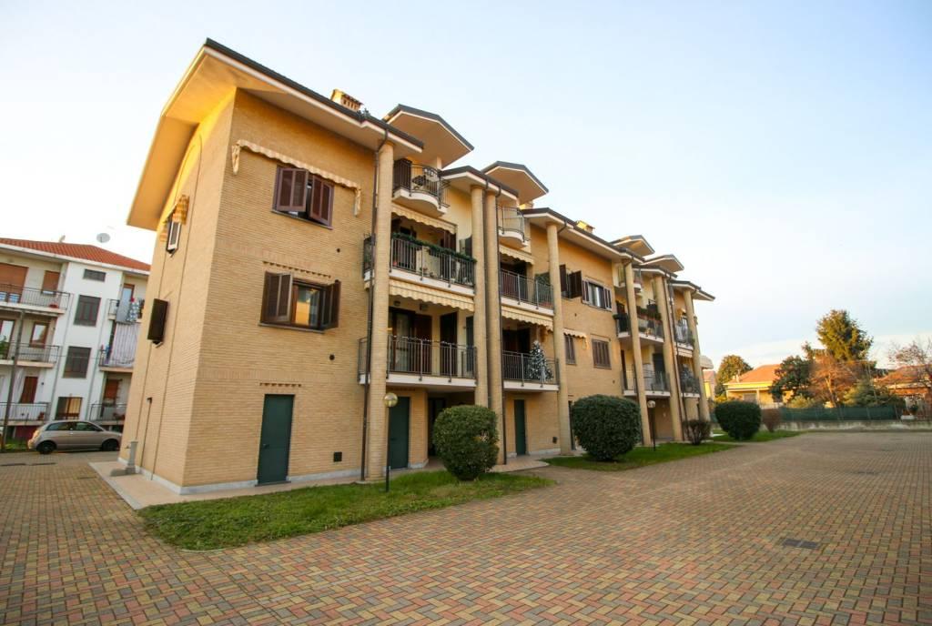 Appartamento in ottime condizioni in vendita Rif. 9181126