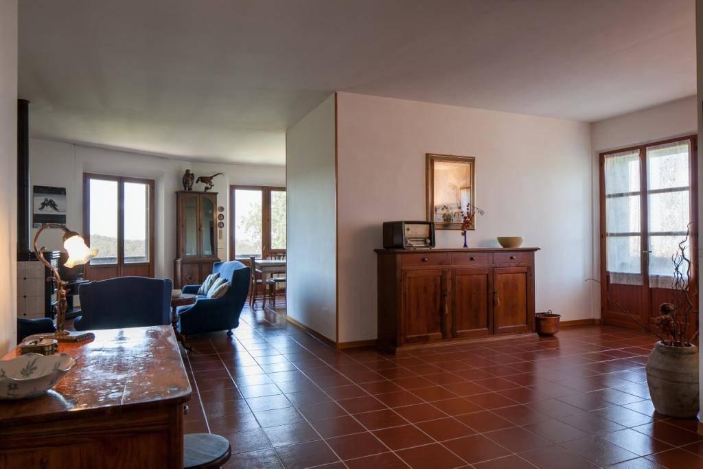 Appartamento in buone condizioni parzialmente arredato in vendita Rif. 9175565